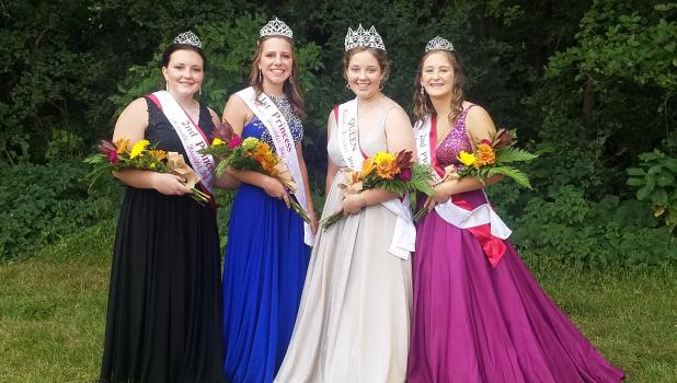 Second Princess Ava Larson, First Princess Ellen Meagher, Queen Brooke Moorse and Second Princess.